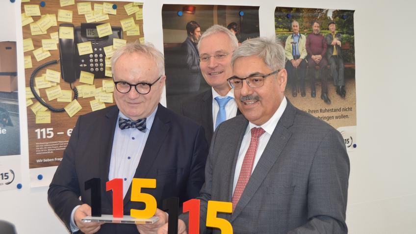 Staatsrat Hans-Henning Lühr, Frank-Rüdiger Srocke und Oberbürgermeister Melf Grantz