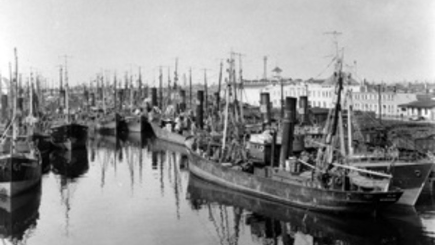 Historical image of a harbor.