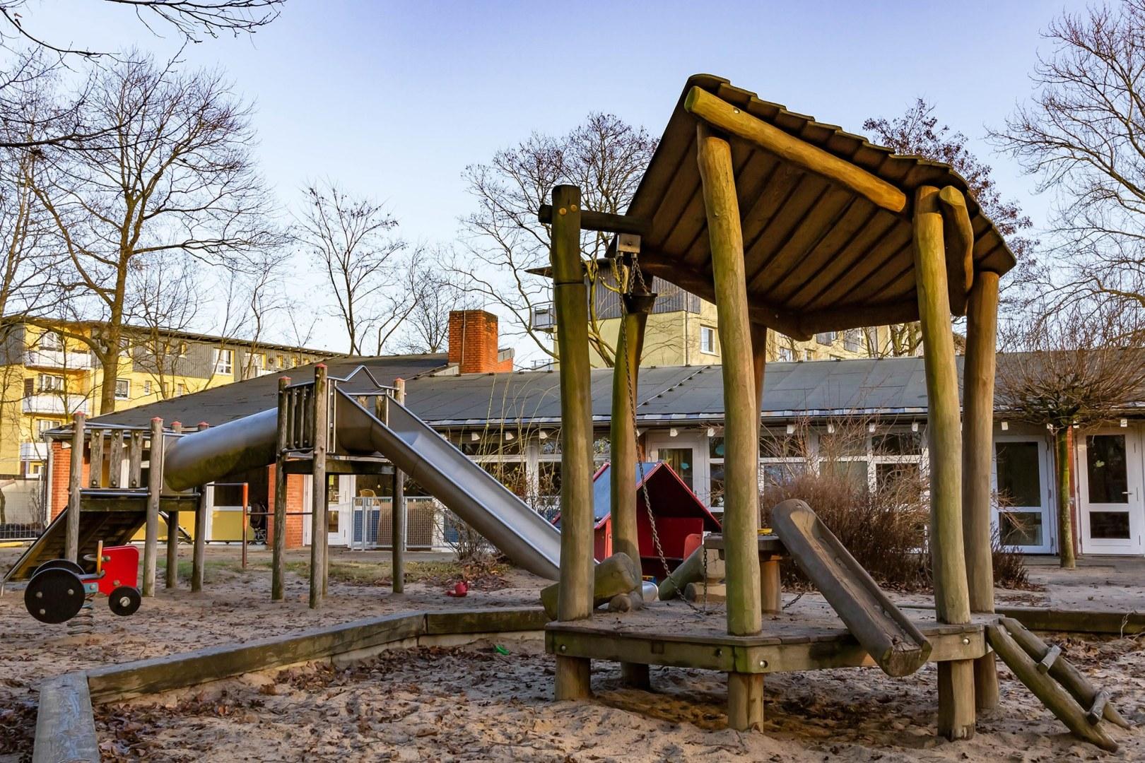 Klettergerüst U3 : Kindertagesstätte batteriestraße u2013 bremerhaven.de