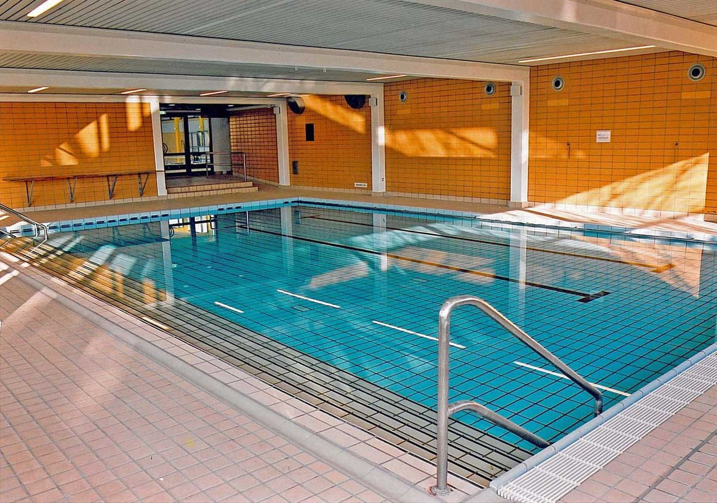Great Schwimmbecken Mit Geringer Tiefe.