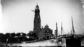 Historical image of a lighthouse.