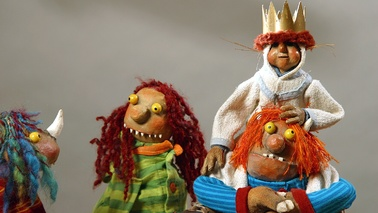 Various puppets.