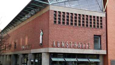 Exterior of a building with the word Kunsthalle.